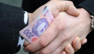 Чиновник хмельницкого горсовета, которого пьяным поймали на взятке, заплатит 17 тысяч гривен штрафа