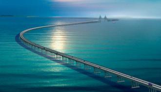 Китай построил самый длинный морской мост в мире