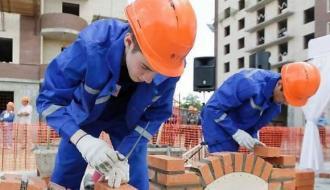 Москве не хватает 10 тысяч строителей