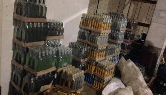 Мужчине, который в Хмельницком организовал подпольный цех по изготовлению фальсификата, объявили о подозрении