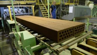 Около 100 предприятий производят стройматериалы в Москве