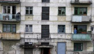 Переселение из аварийного жилья завершено на 71%
