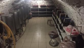 Предпринимателю, который производил пиво в подвале своего кафе, грозит 170 тысяч гривен штрафа