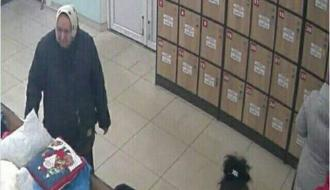 В Городке полиция разыскивает женщину, которую подозревают в краже из магазина секонд-хенда