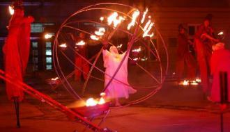 В Хмельницком покажут уличное представление с огненным шоу