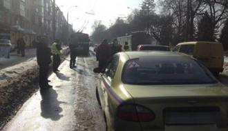 В Хмельницком в ДТП попал учебный автомобиль