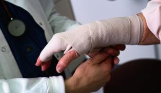 За сутки в Хмельницком в травмпункт обратилось 90 человек