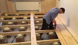 Сделать деревянный пол своими силами в частном доме из половой доски