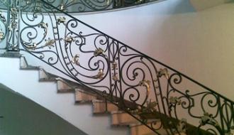 Ступени для лестниц: материал изготовления и виды