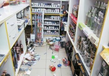 В Каменце-Подольском пьяная женщина устроила погром в магазине