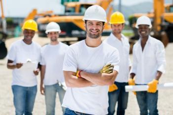 Более 400 тыс человек работают на стройках Москвы