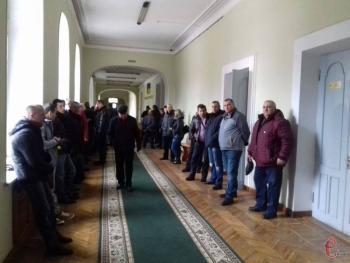 Хмельницкие частные перевозчики говорят, что будут предоставлять качественные услуги, если проезд повысят до 5-6 гривен