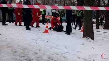 Мужчина, у которого утром стреляли в Хмельницком, шилом ранил 3 человек