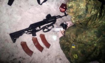 На блокпосту в Славянске задержали жительницу Хмельницкой области, который перевозил оружие