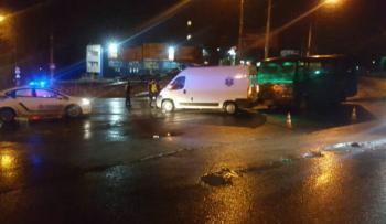 Обнародовано видео ночной аварии с участием кареты скорой помощи