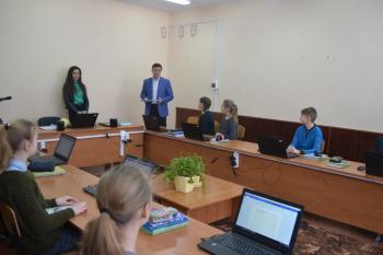 С нового года школы Волочиского и Хмельницкого районов получили новое компьютерное оборудование