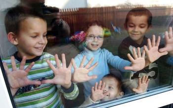 В Хмельницком детям-сиротам ежемесячно будут платить 300 гривен