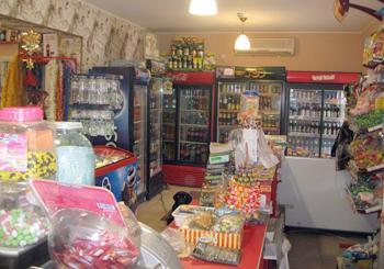 В Хмельницком районе мужчина обокрал сельский магазин перед камерой наблюдения
