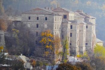 В Каменце-Подольском ищут инвестора для реконструкции аварийных казарм Старой крепости