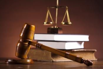 В Омске осудили экс-полицейского за аферу с квартирами