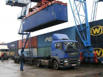 В прошлом году на Хмельнитчину завезли из-за границы товаров на 10 миллиардов гривен