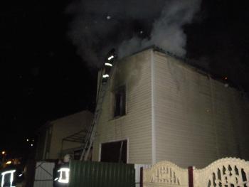 Во время пожара в Хмельницком едва не погибли трое людей