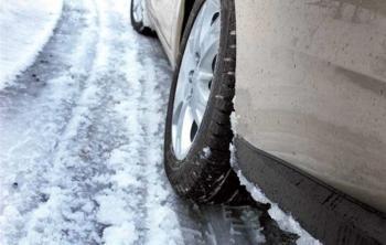 Водителей предупреждают о гололедице на дорогах Хмельнитчины