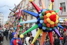 Фестивальная страна. Дидухи, вертепы, пампухи и колядки, или Куда поехать на рождественские забавы