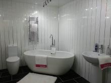 Как сделать не дорогой ремонт панелями ПВХ в ванне и туалете